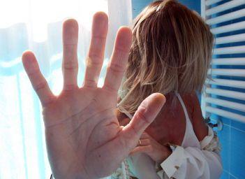CASTIGLIONE DEL LAGO: MINORENNE AGGREDITA E VIOLENTATA
