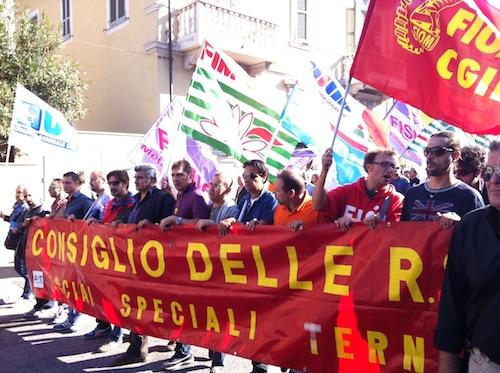 PRIMI EFFETTI DEL JOBS ACT: MOBILITA' PER 473 LAVORATORI ALLE ACCIAIERIE DI TERNI. SCIOPERO IMMEDIATO