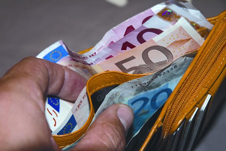 PANICALE, BEL GESTO DI UN CARABINIERE. TROVA 350 EURO E LI RESTITUISCE…