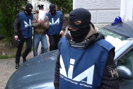 LA MAFIA E' QUI: OPERAZIONE ANTI 'NDRANGHETA IN PROVINCIA DI PERUGIA, 61 ARRESTI…