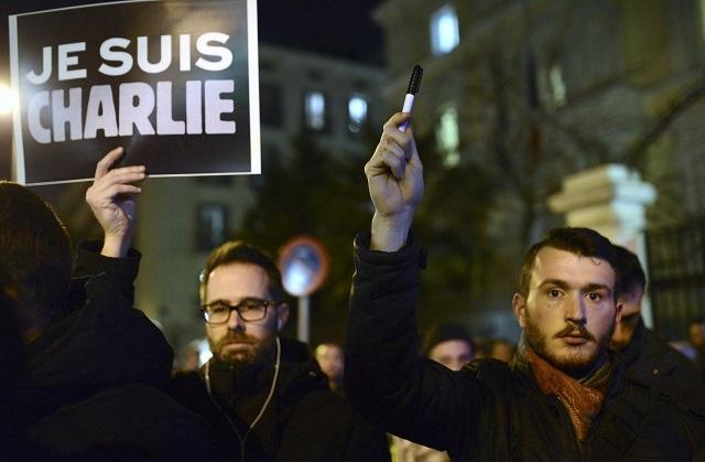DOPO LA STRAGE DI PARIGI: SIAMO TUTTI CHARLIE, MA…