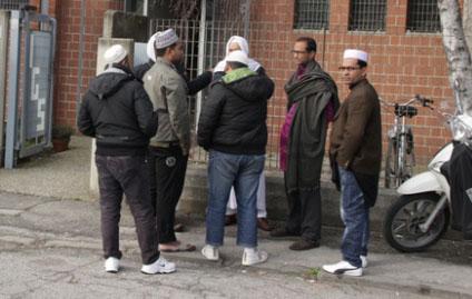 SABATO A CHIUSI SCALO MANIFESTAZIONE DELLA COMUNITA' ISLAMICA LOCALE PER DIRE NO AL TERRORISMO