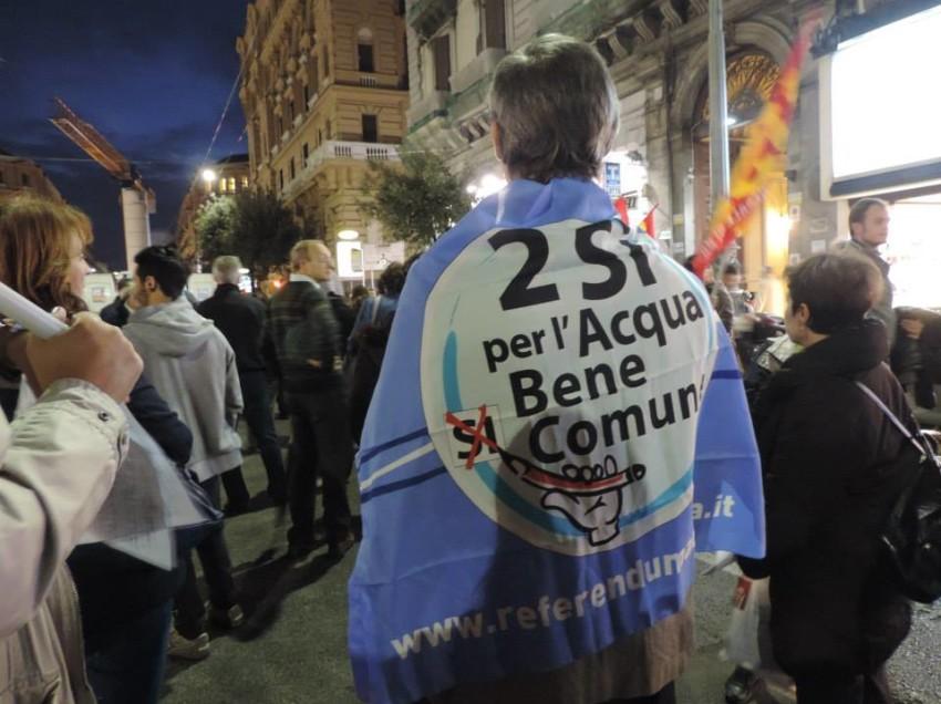 """ACQUA PUBBLICA: PD E GOVERNO TRADISCONO L'ESITO DEL REFERENDUM 2011 E """"RIAPRONO"""" AI PRIVATI"""