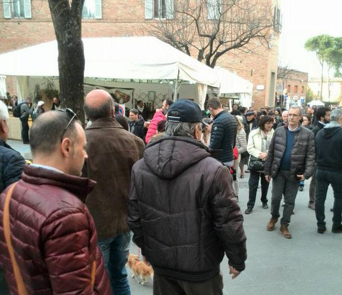 WEEK END DI PASQUA: CITTA' DELLA PIEVE, CASTIGLIONE E MONTEPULCIANO FANNO IL PIENONE. CHIUSI RIMANE UN DESERTO…