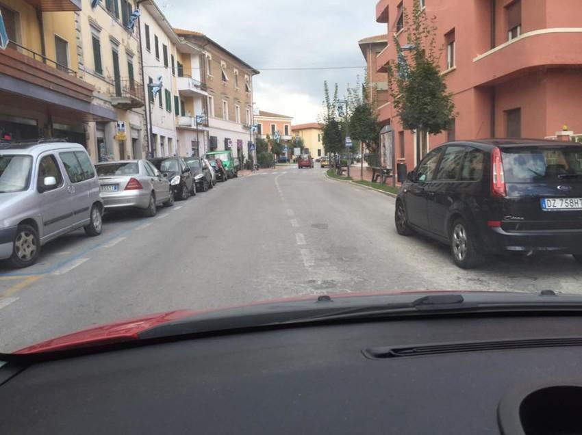 CHIUSI SCALO, AL VIA L'ASFALTATURA DI ALCUNE STRADE. CON TELECAMERE AL SEGUITO