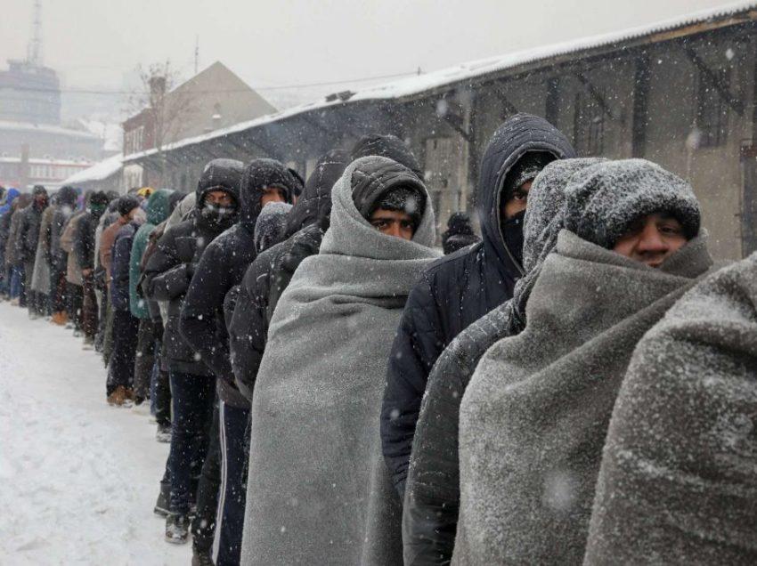 """Clochard, migranti, profughi e… """"paperoni"""". Il gelo e le stazioni non riscaldate. Il mondo all'incontrario"""