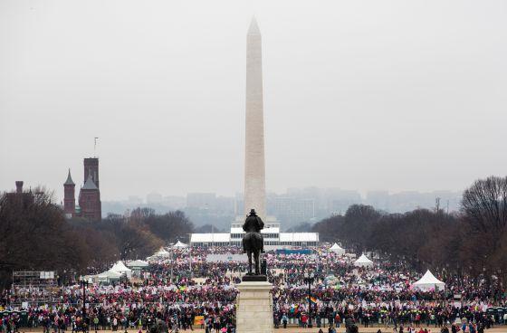 La straordinaria Marcia delle Donne su Washington. Un milione di partecipanti e il silenzio della Casa Bianca
