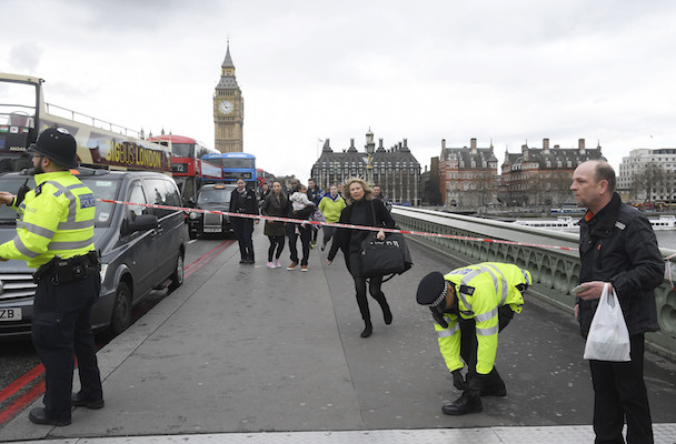 Londra-grave attentato nelle vicinanze del palazzo del parlamento inglese