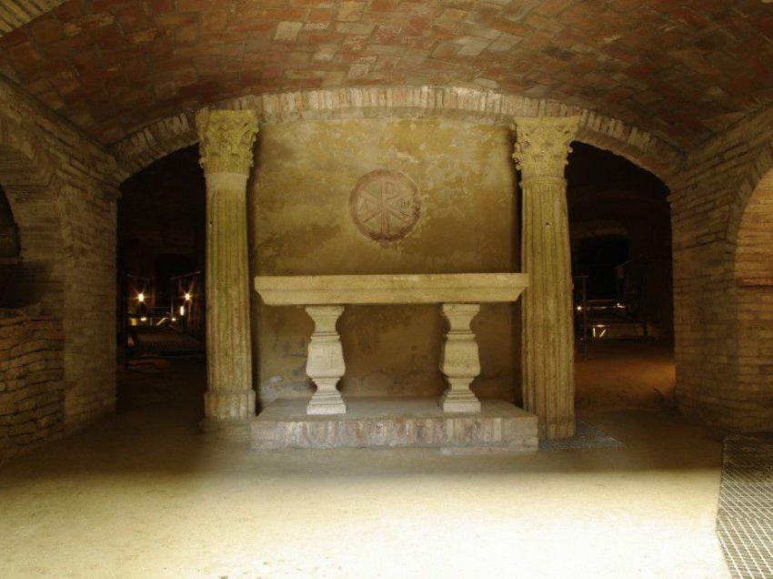 Le catacombe paleocristiane di Chiusi e il popolo del silenzio in un libro di Gianfranco Barbanera