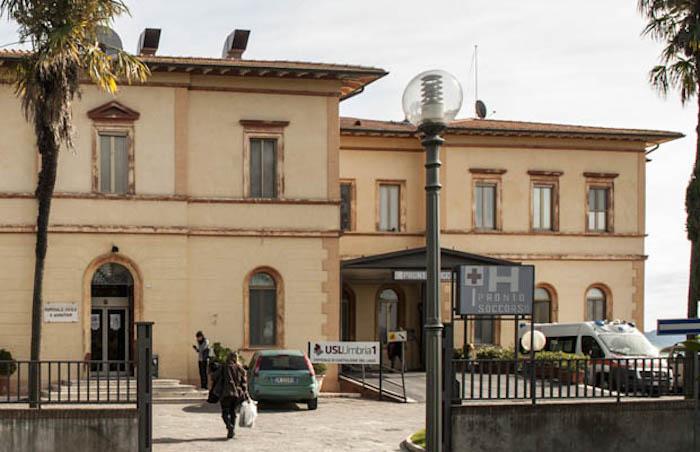BCC UMBRIA: 10 MILA EURO PER L'OSPEDALE DI CASTIGLIONE DEL LAGO