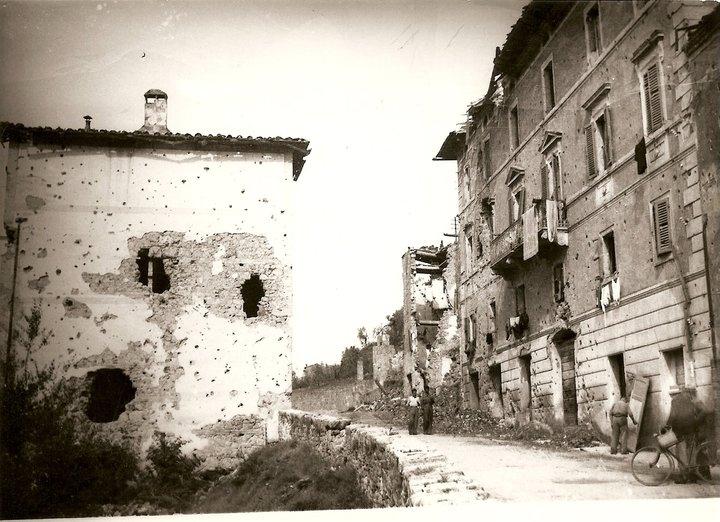 """CHIUSI, AL MASCAGNI TORNA IN SCENA """"NATALE '43"""" DEI SEMIDARTE"""