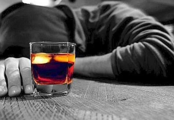 CHIUSI, PRIME INDISCREZIONI SULLA MORTE DEL 18ENNE RUMENO: COCTAIL DI ALCOL, DROGA E FARMACI? E' IL SECONDO CASO IN DUE MESI, IN CITTA' E' ALLARME