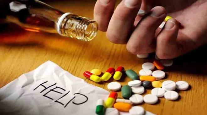 CHIUSI, OGGI IN PIAZZA DUOMO SI PARLA DI DROGA