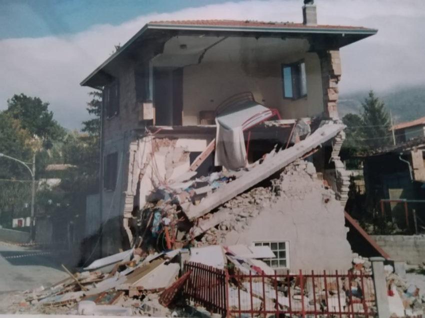 26 SETTEMBRE '97, ORE 11,45:  IL TERREMOTO IN UMBRIA E MARCHE E LA PAURA IN REDAZIONE