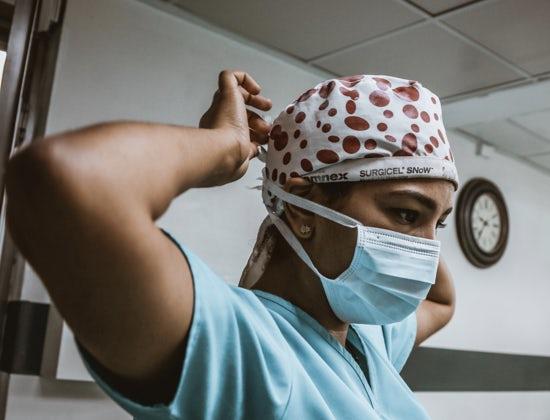 MANCANO MEDICI E INFERMIERI MA IN ITALIA CI SONO 72 MILA PROFESSIONISTI STRANIERI CHE NON POSSONO ACCEDERE AI BANDI